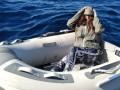 Туристка продержалась двое суток в открытом море на леденцах