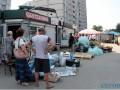 В Киеве сносят киоски: выкидывают товар и выгоняют продавцов (ФОТО)