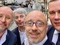Украинская делегация после возвращения из Парижа сдала тесты на COVID-19
