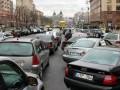 В Киеве организуют развозку медиков и полицейских