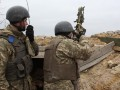 Сутки в ООС: 21 обстрел, один военный погиб