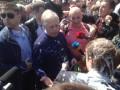 На первомайской демонстрации в Киеве Симоненко облили кефиром