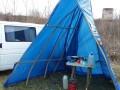 Под Ровно мужчина, вернувшийся из Италии, изолировался в палатке у реки