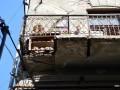В центре Ивано-Франковска обвалился балкон с пенсионеркой