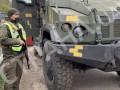Киев окружили блок-постами с броневиками