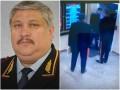 В РФ следователь не пропустил в лифт генералов и получил выговор