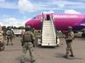 В аэропорту Киев оцепили самолет, ищут бомбу