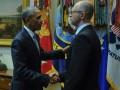 Как Яценюк провел встречу в США: рукопожатие Обамы и объятья Байдена