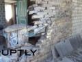 Славянск в руинах во время продолжающегося обстрела - репортаж