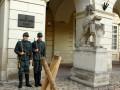 В центре Львова появились бронемашины и автоматы (ФОТО, ВИДЕО)