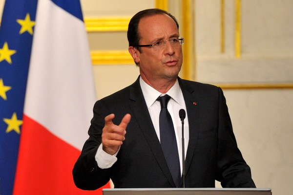 Никто насаммитеЕС неотказался отрасселения беженцев— Олланд