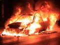 В Киеве водитель Mercedes заживо сгорел в автомобиле