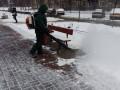 Коммунальщики придумали новый способ уборки снега в Киеве
