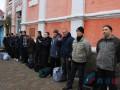 Украинских пленных доставили к пункту обмена