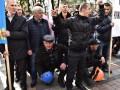 Часть митингующих перешла от здания Рады к Кабмину