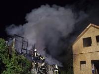 В Киеве сгорел дотла двухэтажный дом