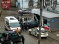 В Киеве пьяный водитель протаранил киоск, сбил ребенка