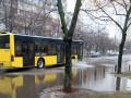 В Киеве на Березняках из-за дождя образовалось озеро