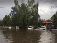 На Луцк обрушился ливень с градом