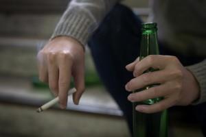 На карантине украинцы стали тратить больше на алкоголь и табак - СМИ