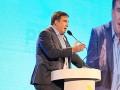 Саакашвили выступил перед публикой с заправленной в носок штаниной