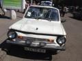 В Днепропетровске местные жители избили водителя, который на Запорожце сбил троих пешеходов