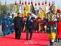Ким Чен Ын привез главе Южной Кореи лапшу
