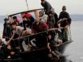 Поток беженцев в ЕС через Средиземное море сократился