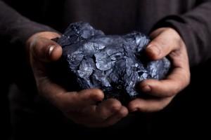 Зеленский поручил остановить импорт угля в Украину
