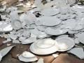 Постояльцам отеля в Турции разрешили бить посуду и ломать телевизоры