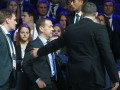 Медведева эвакуировали с экономического форума из-за хлопков