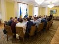 Зеленский встретился с родными пленных украинцев
