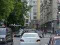 Вчера - пешком, сегодня - на Mercedes: В кортеже президента 5 авто