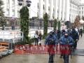 Тарифный протест возле Офиса президента, произошла потасовка