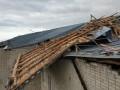Под Ровно ветер сорвал крышу с пансионата для престарелых