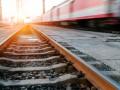 В Житомирской области парень уснул на рельсах и погиб под поездом