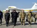 Турчинов в зоне АТО: Военным в Авдеевке нужно современное оружие