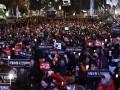В Корее демонстранты потребовали полного отстранения президента