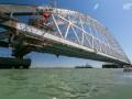 На Крымском мосту устанавливают железнодорожную арку