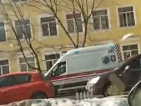 Второй случай за сутки: В Киеве из окна лицея выпал школьник