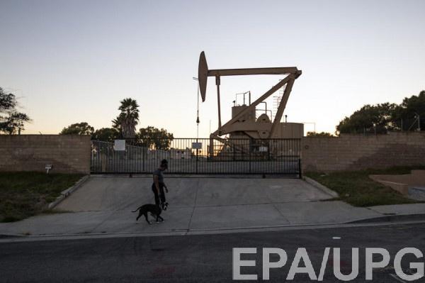 Чрезмерная добыча привела к переизбытку на нефтяном рынке
