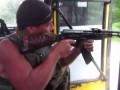Военные патрулируют Донбасс на бусе и стреляют на ходу (видео)