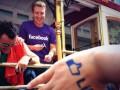 700 сотрудников Facebook вышли на гей-парад (ФОТО, ВИДЕО)
