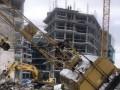 В Киеве во время работ рухнул строительный кран