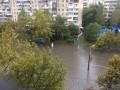Сильный ливень в Одессе затопил улицы и повалил деревья