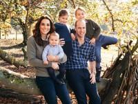 Кенсингтонский дворец обнародовал новые фото королевской семьи