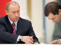 Сурков остался на посту помощника Путина