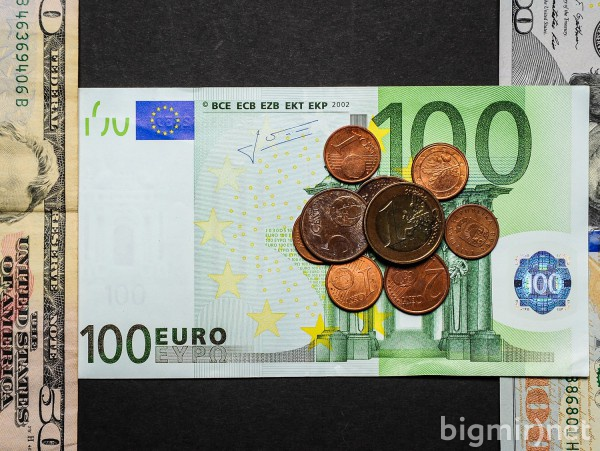 Курсы валют 06 июня на 12:00
