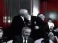 В сети появилось видео поцелуя Азарова и Яценюка