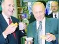 Трамп хочет проверить связи с Путиным лидера демократов в Сенате